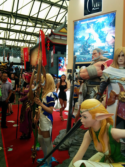 Fantasy statues and cosplayers